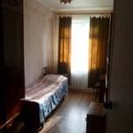 2-комн, квартира 2/2 эт. дома  Центр 42 м²