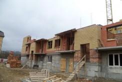 Продается 3-комнатная квартира в новостройке, ул. Орджоникидзе 84