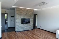 Ессентуки, район курортного парка, ул. Октябрьская площадь 31, продается   2-комнатная квартиpa в элитном доме, с дизайнерским ремонтом