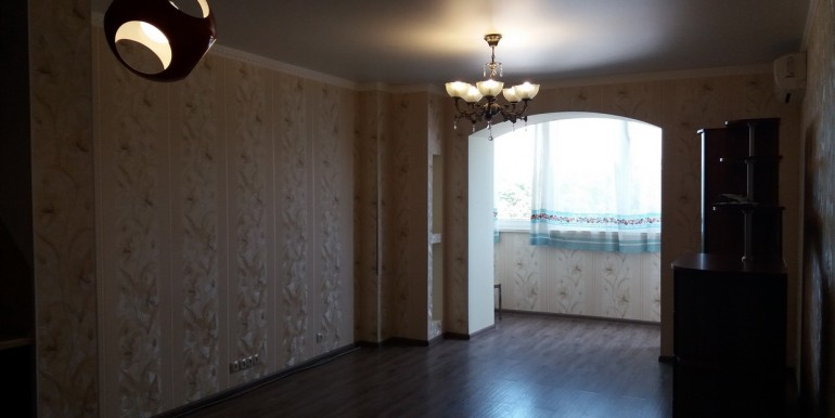 Продается элитная квартира в Ессентуках с ремонтом_02