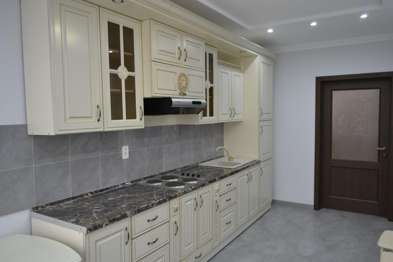 Продается элитная 2-уровневая квартира в центре курортной зоны г. Ессентуки, ул. Семашко 9а, с новым ремонтом, общая площадь 177кв. м.