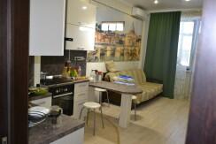 сдается 2-комнатная квартира с новым дизайнерским ремонтом посуточно , ул. Новопятигорская 1/2
