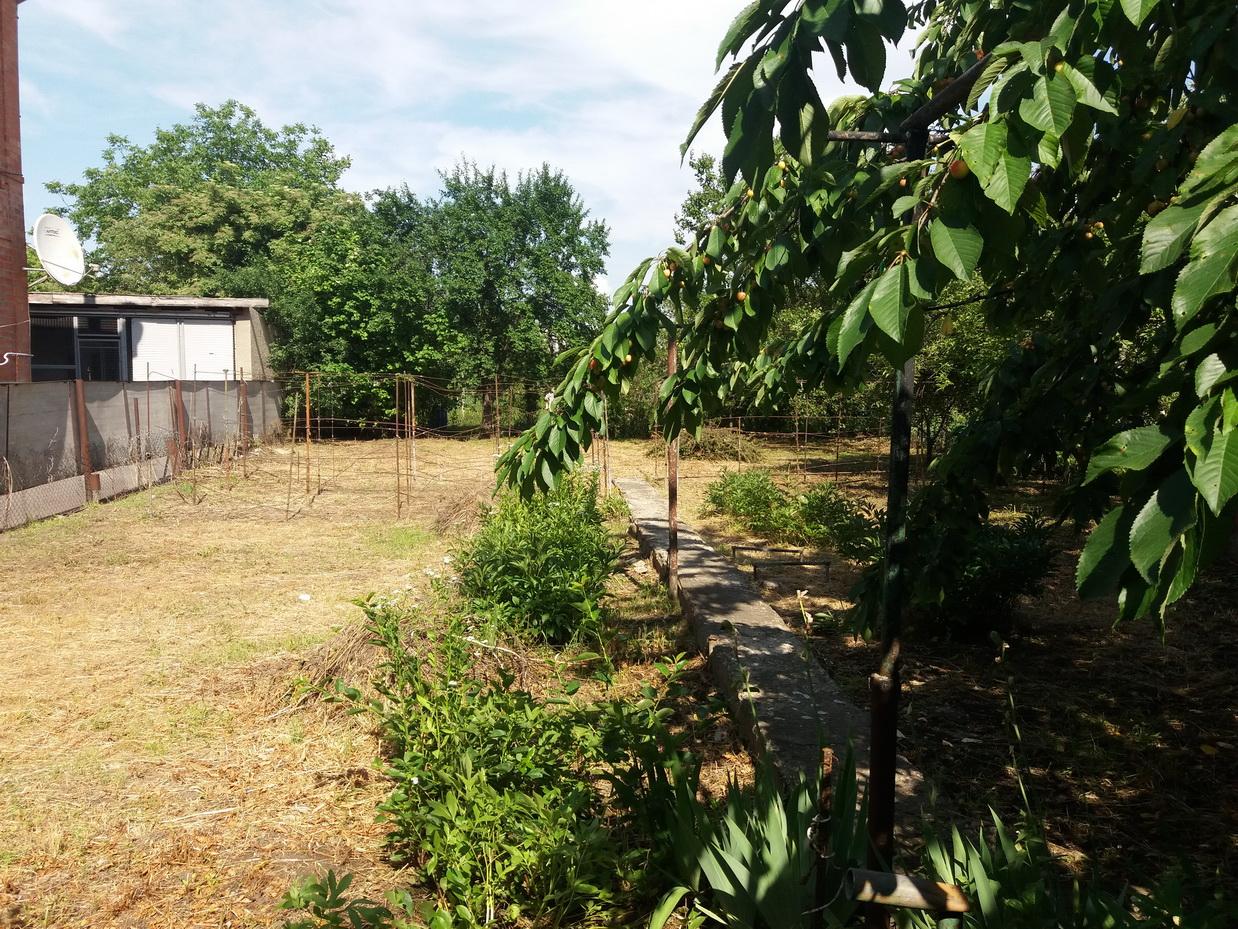 Продаётся дом в Ессентуках, район школы №5.