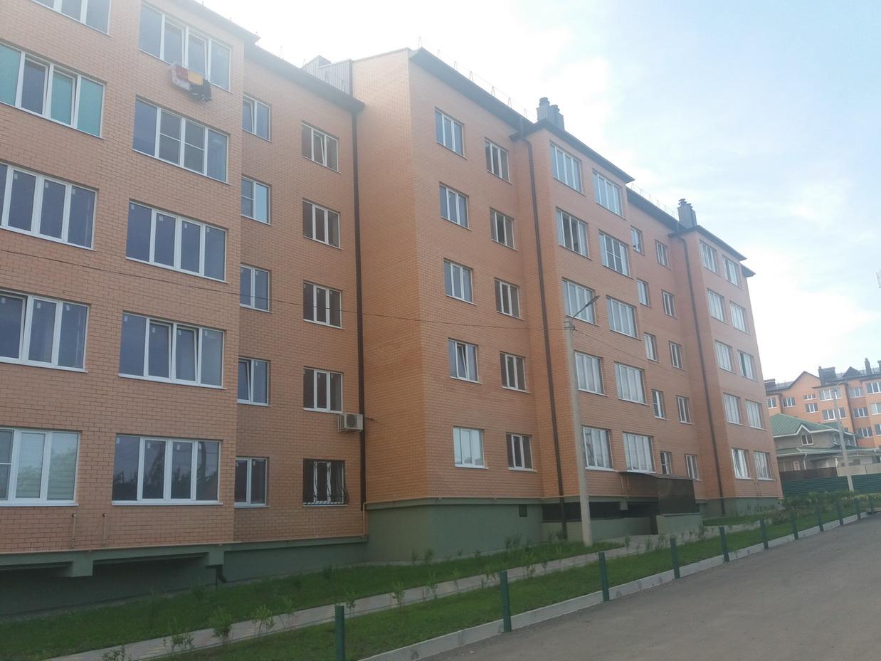 Продается 3-комнатная квартира в сданном доме, г. Ессентуки,  ул. Просторная 17.