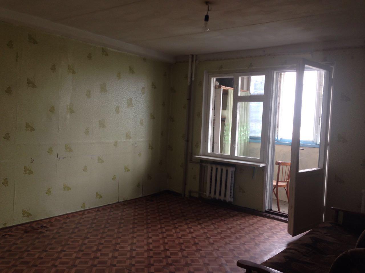 Продаётся квартира в Ессентуках, 4 Микрорайон , ул. Октябрьская 432.