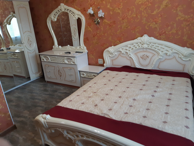 Ессентуки, Крортная зона,  сдается 1-комнатная квартира с новым дизайнерским  ремонтом  посуточно, ул. Орджоникидзе 88