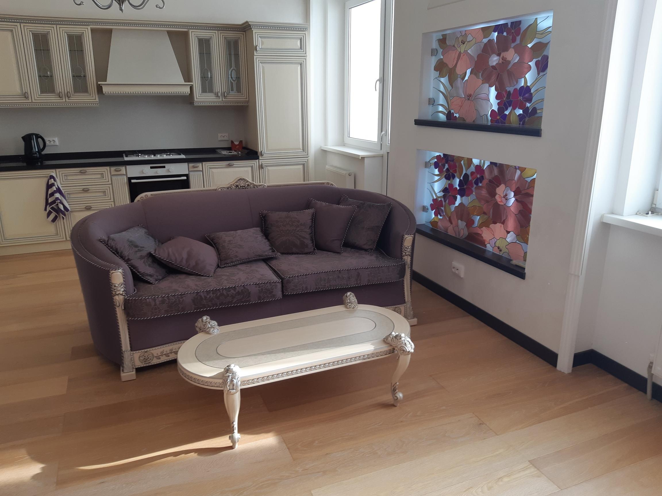 Продается 2-комнатная квартира в элитном доме. Ессентуки, центр города, ул. Советская 11